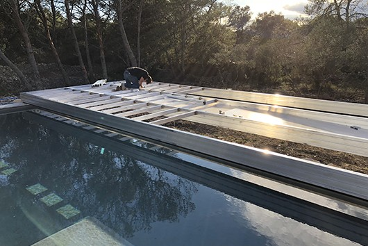 Installation terrasse mobile piscine